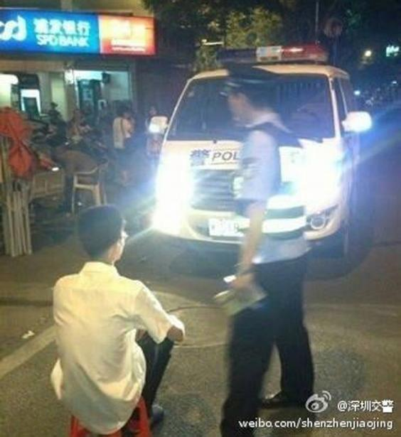 Shenzen Police punishing a driver in 2014
