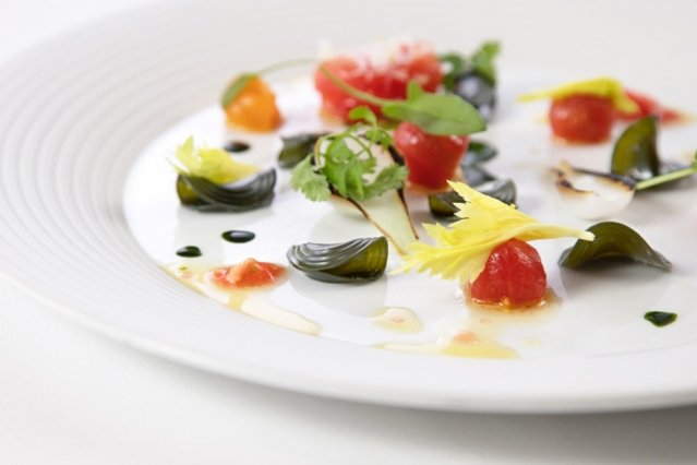 Phytoplankton pasta salad with heirloom tomatoes and wild sorrel, by Matthew Delisle, head chef of L'Espalier restaurant (Photo: Michael Indresano MIT News)