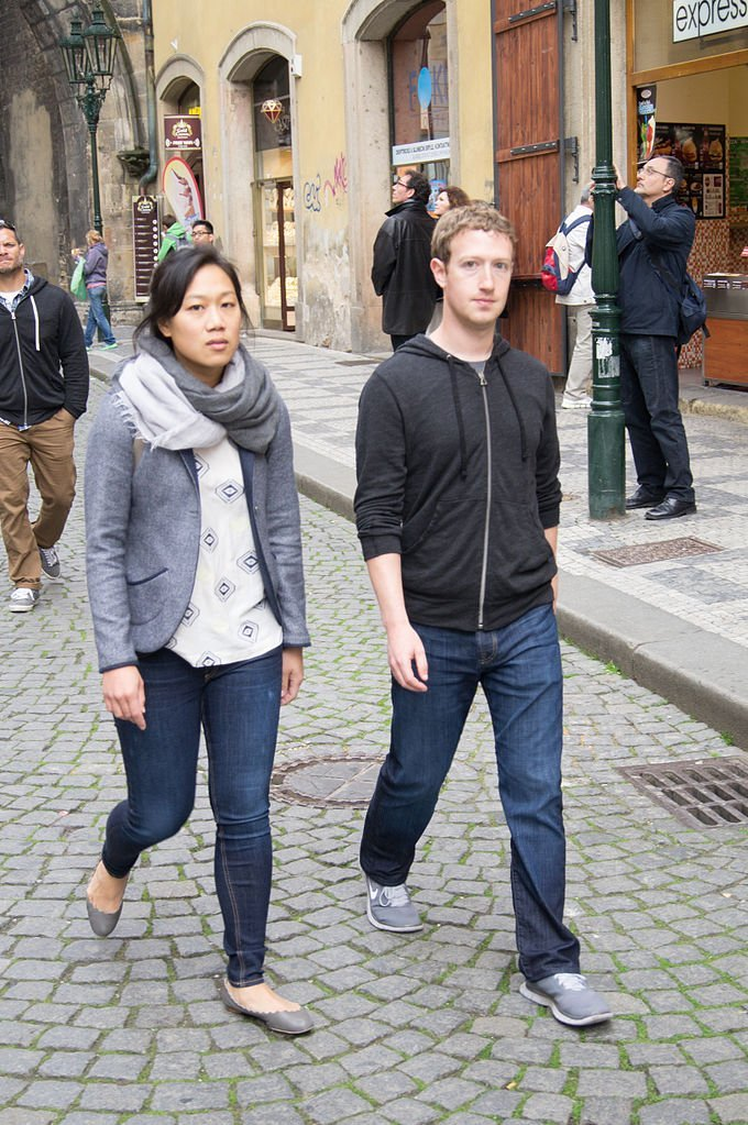 Mark Zuckerberg and Priscilla struggle to contain their obvious delight at being photographed during a walkabout in Prague (Photo: Wikimedia)
