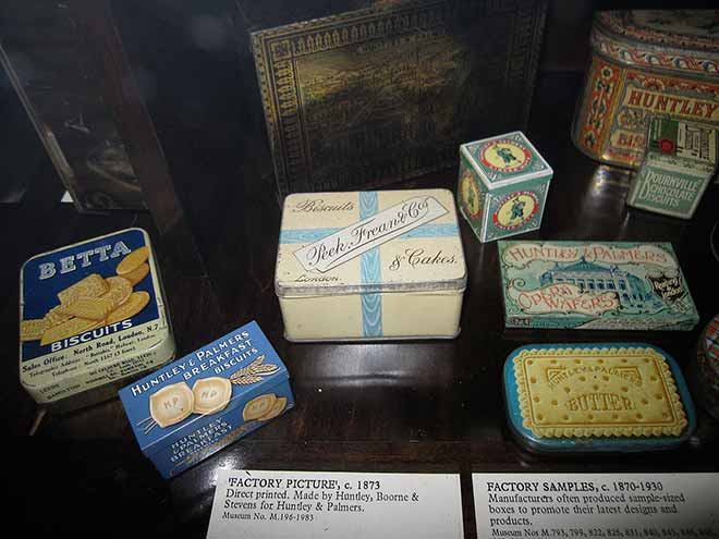Huntley & Palmer tins were produced by skilled workers who were expected to produce around 100 tins a day. (Photo: Wikimedia)