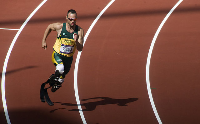 Oscar Pistorious began displaying visible signs of Marie Antoinette Syndrome whilst being tried for the murder of Reeva Steenkamp in 2016. (Photo: Wikimedia/Jim Thurston)