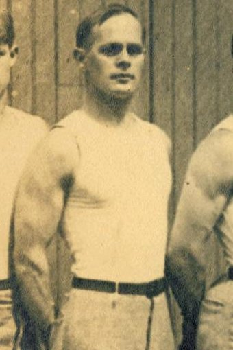 American gymnast, George Eyser, who had a wooden leg, won 6 medals at the 1904 Olympics. (Photo: Wikipedia)