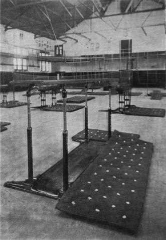 George Eyser won a gold medal in the Parallel Bars event at the 1904 Summer Olympics. (Photo: Spalding's Official Athletic Almanac for 1905)