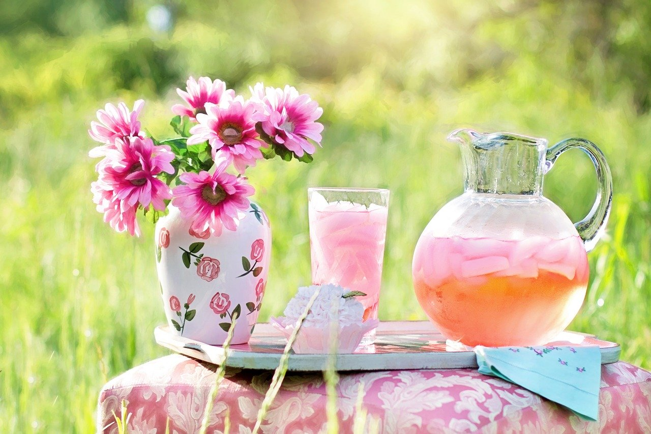 Pink lemonade is the quintessential summer drink. But did you ever wonder what it's made of and where it came from? (Photo: Pixabay/Jill Wellington)