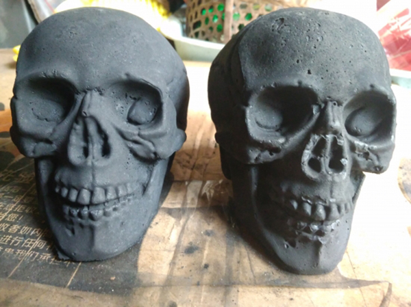 Skull charcoal by Japanese artist Sekisadamu. (Photo: sekisada.com)