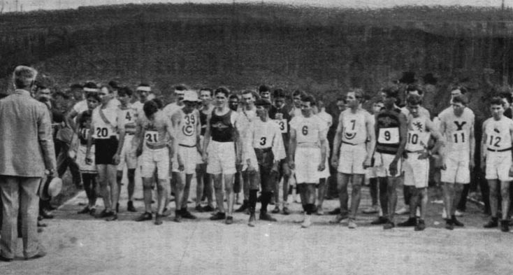 The start of the 1904 Olympic Marathon: 20, Thomas J. Hicks, Y.M.C.A.; 31, Fred Sorg, Mohawk A.C., Greece; 39, S. H. Hutch, Chicago A.C.; 3, Felix Carvajal, Cuba; 6, Christos D. Zehouritis, Greece; 7. Albert L. Corey, Chicago A. C.; 9, Frank Pierce, Indian; 10, S. A. Mellor; 11, Edward P. Carr, Xavier A.A.; 12, A. L. Newton, N.Y.A.C., New York. (Photo: . Spalding's Official Athletic Almanac 1905)