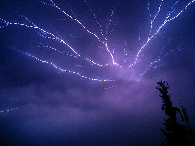 Lightning storm (Photo: Wikimedia/Jan Bambach)