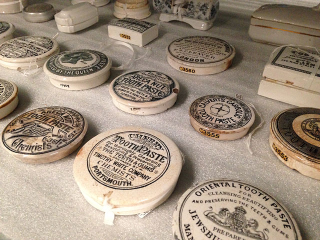 A collection of old toothpaste boxes at the University of Utrecht (Photo: Wikimedia/Sandra Fauconnier)